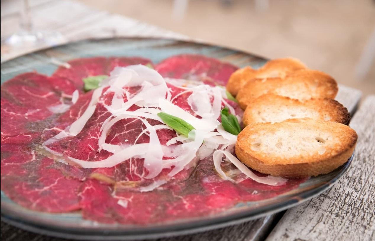 10 traditions in Italian cuisine