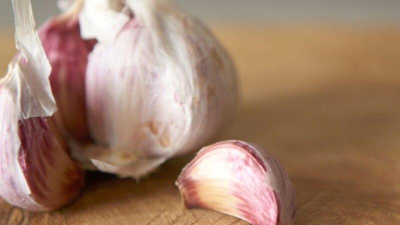 Common garlic types and weight